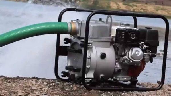 Có nên mua máy bơm nước nông nghiệp chạy bằng xăng?