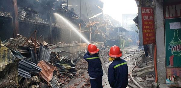 Tích cực khắc phục hậu quả vụ cháy nhà máy Rạng Đông