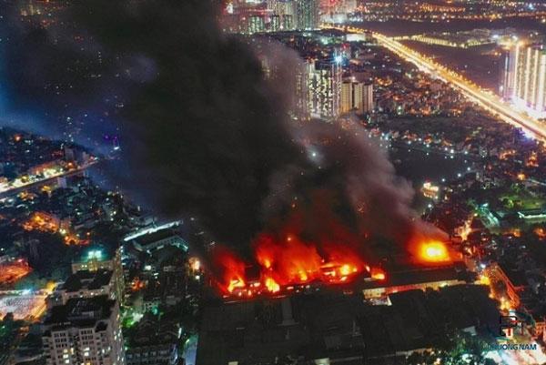 Cháy nhà máy phích nước Rạng Đông ở đâu? Hàng loạt hậu quả nặng nề để lại