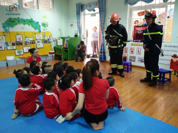 Phổ biến các quy định và cách phòng cháy chữa cháy ở trường mầm non